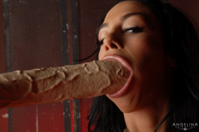 Angelina Valentine Sucking